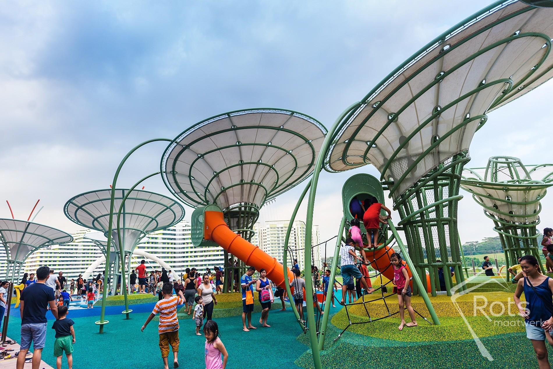 Singapore, schaduw, bomen, staal, RVS, poedercoating, membraan, membranen, gespannen, 3D, gewoven, transport, carve, maatwerk, fontein, fonteinen, zwembad, spelen, kinderen, zon, bescherming, splash,