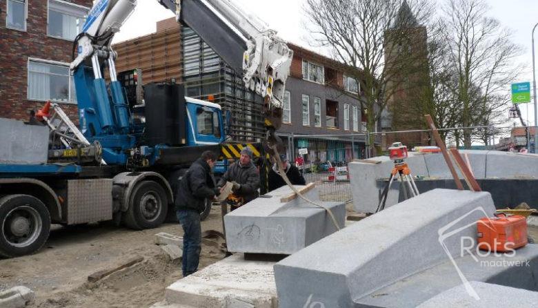 vikingschip oost souburg natuursteen maatwerk kunst kunstwerk graniet hardsteen openbare ruimte rots hoogstraten 2 (2)